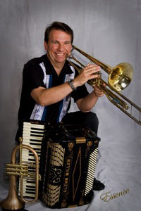 Musician Glenn Miller will entertain at Impact Thrift Stores Montgomeryville location during our annual Fall Festival on Saturday, October 12.